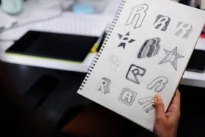 עיצוב-לוגו-רלוונטי